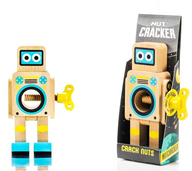 robot-nut-cracker-5