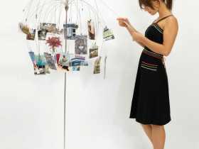 Umbra Fotofalls Floor-Standing Frame